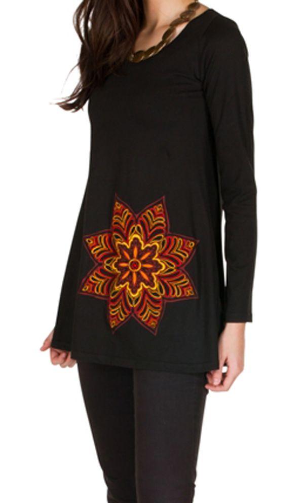 T-Shirt évasé Noir avec imprimé étoilé brodé main Anil 301567