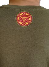 T-shirt homme en coton avec pentagramme Jake kaki 297421